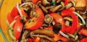 Овощной салат с опятами
