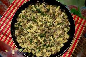 Баварская кухня: шпецле с грибами и копченостями. Шаг 7.