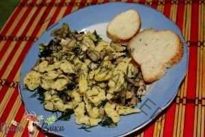 Баварская кухня: шпецле с грибами и копченостями. Шаг 8.